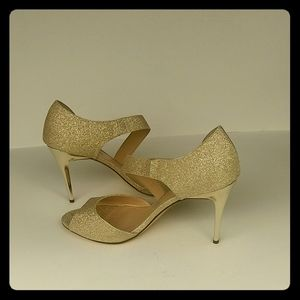 Touch of Nina Gold Heels Size 9